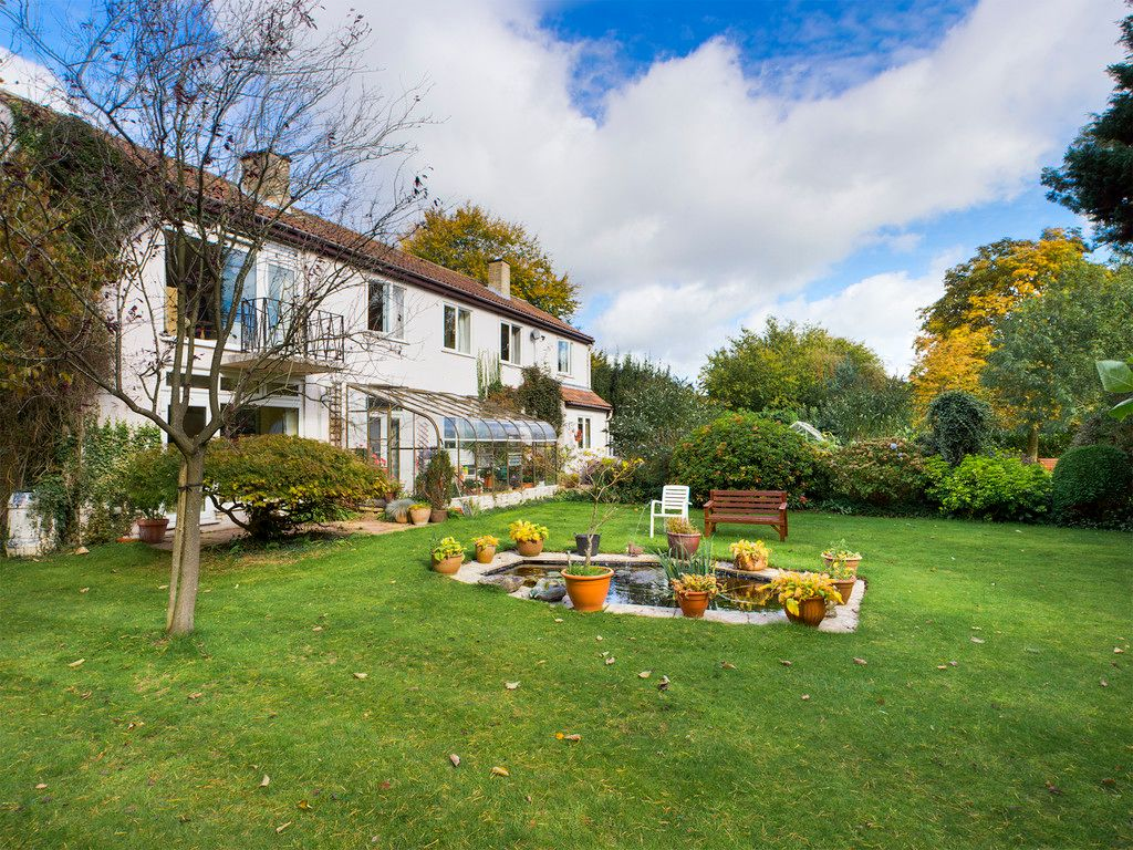 5 bed house for sale in Wycombe Road, Prestwood 9