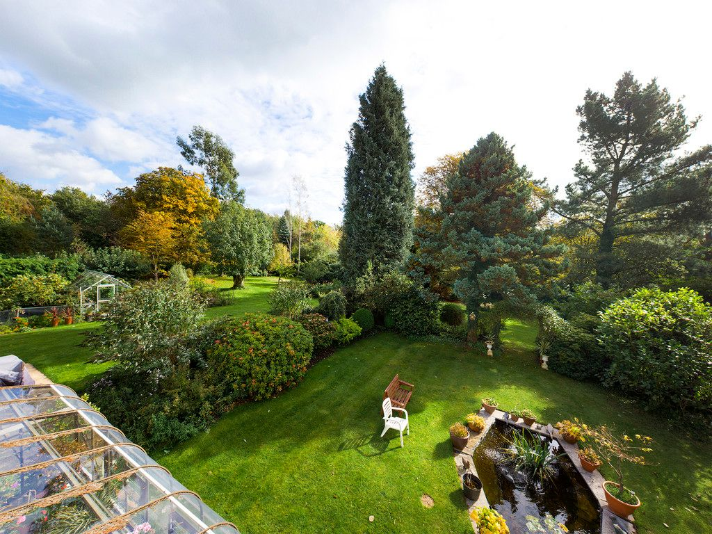 5 bed house for sale in Wycombe Road, Prestwood 10