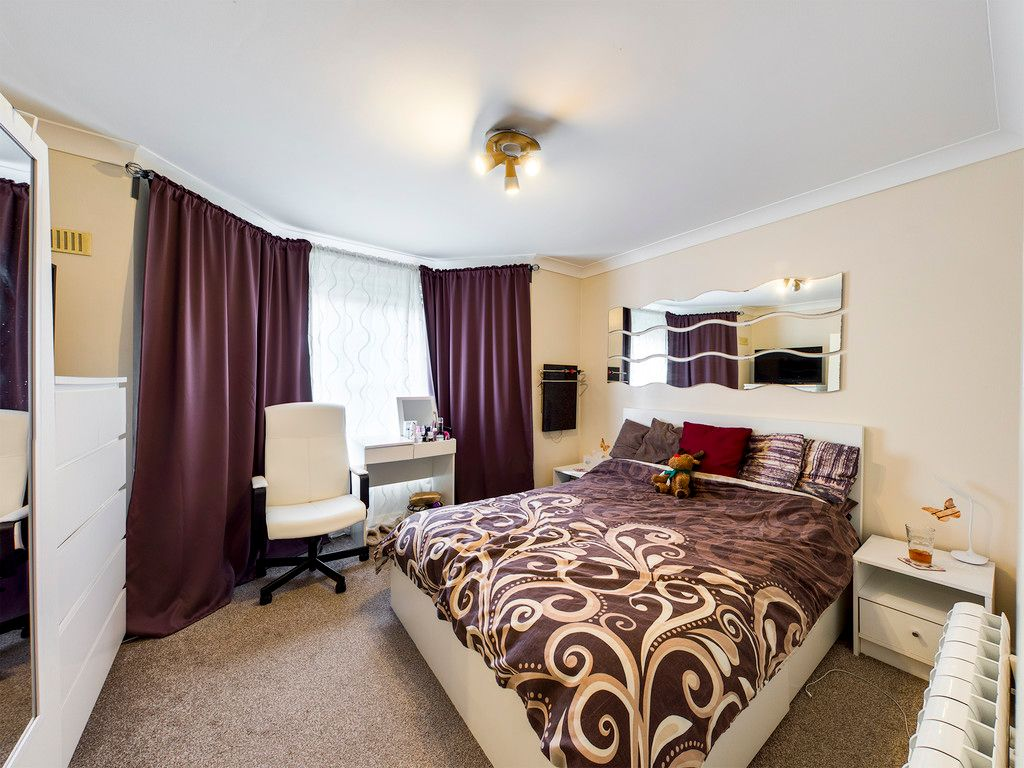1 bed flat to rent in West Wycombe Road, High Wycombe 5