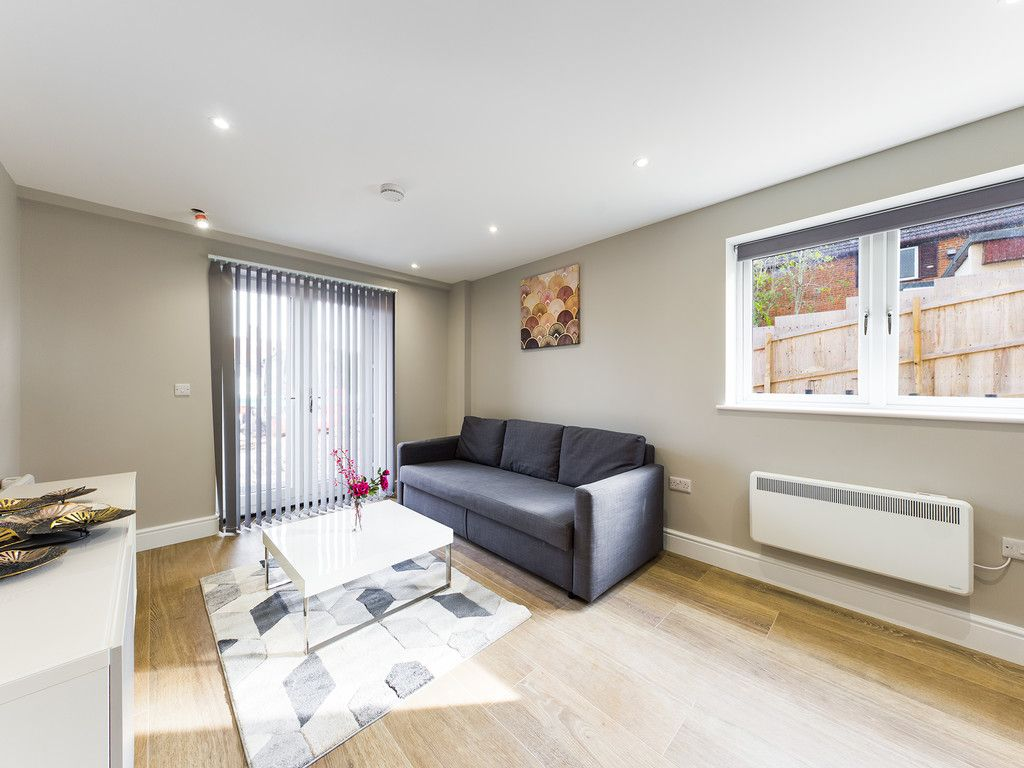 1 bed flat to rent in Kingsmead Road, High Wycombe 2