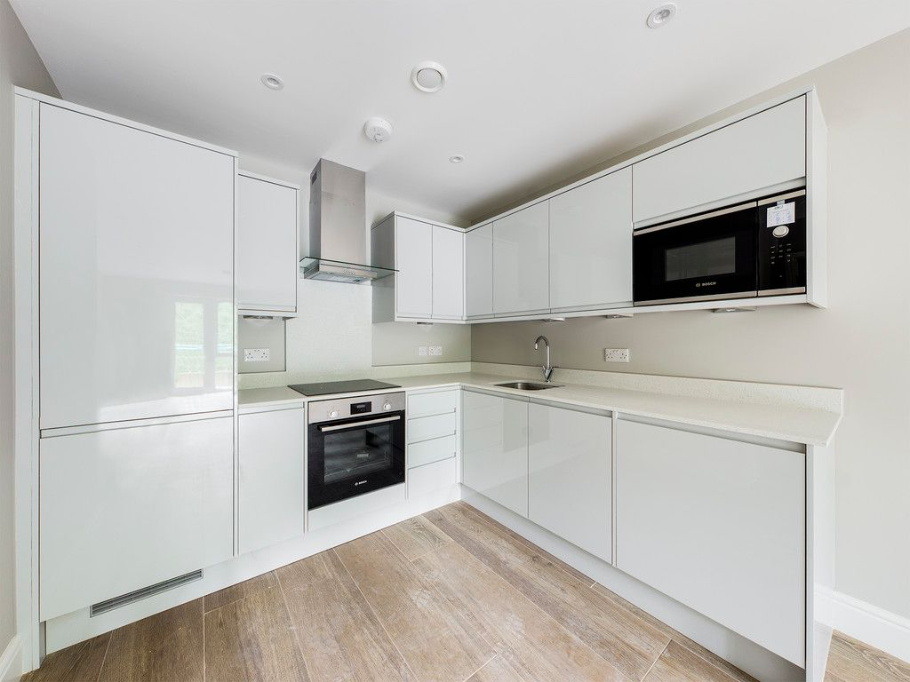 1 bed flat to rent in Kingsmead Road, High Wycombe  - Property Image 1