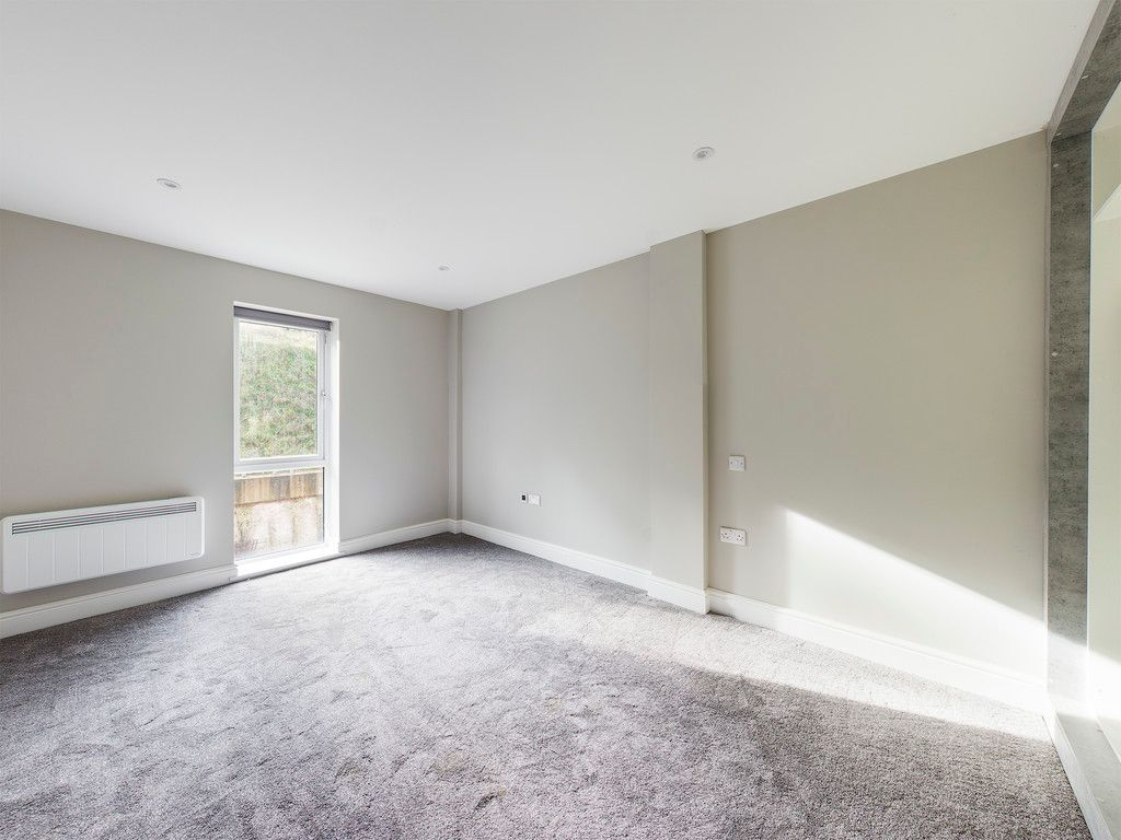 1 bed flat to rent in Kingsmead Road, High Wycombe 3