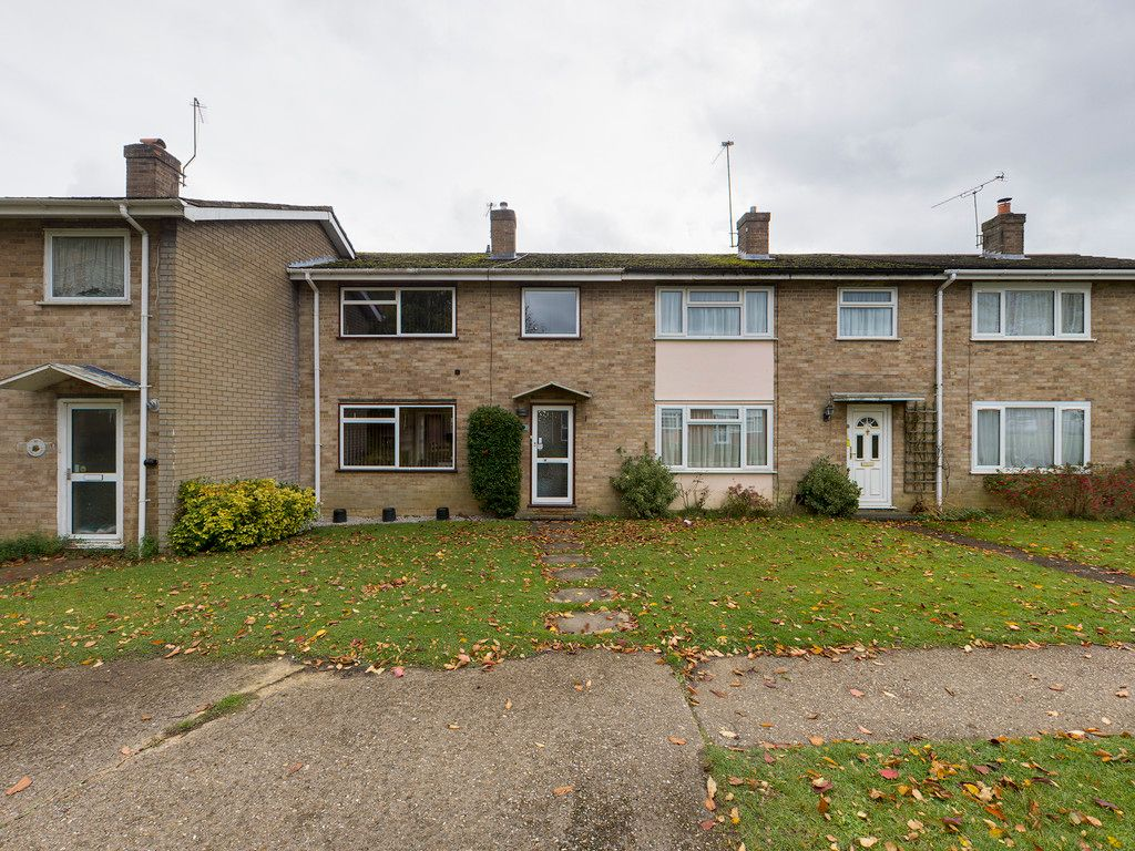 3 bed house for sale in Firs Close, Hazlemere, High Wycombe 1