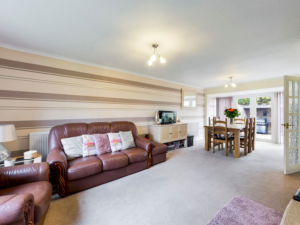 3 bed house for sale in Firs Close, Hazlemere, High Wycombe  - Property Image 2