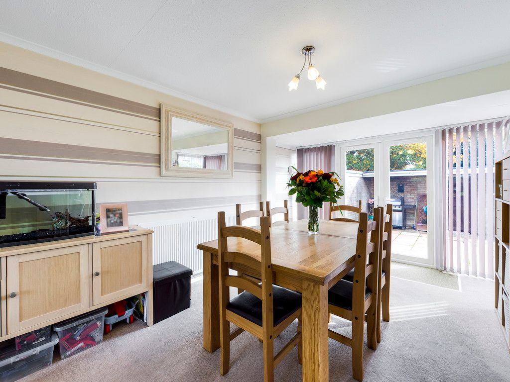 3 bed house for sale in Firs Close, Hazlemere, High Wycombe  - Property Image 3