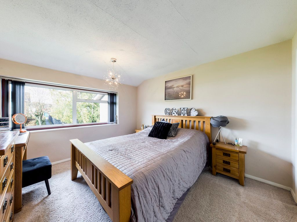 3 bed house for sale in Firs Close, Hazlemere, High Wycombe  - Property Image 8