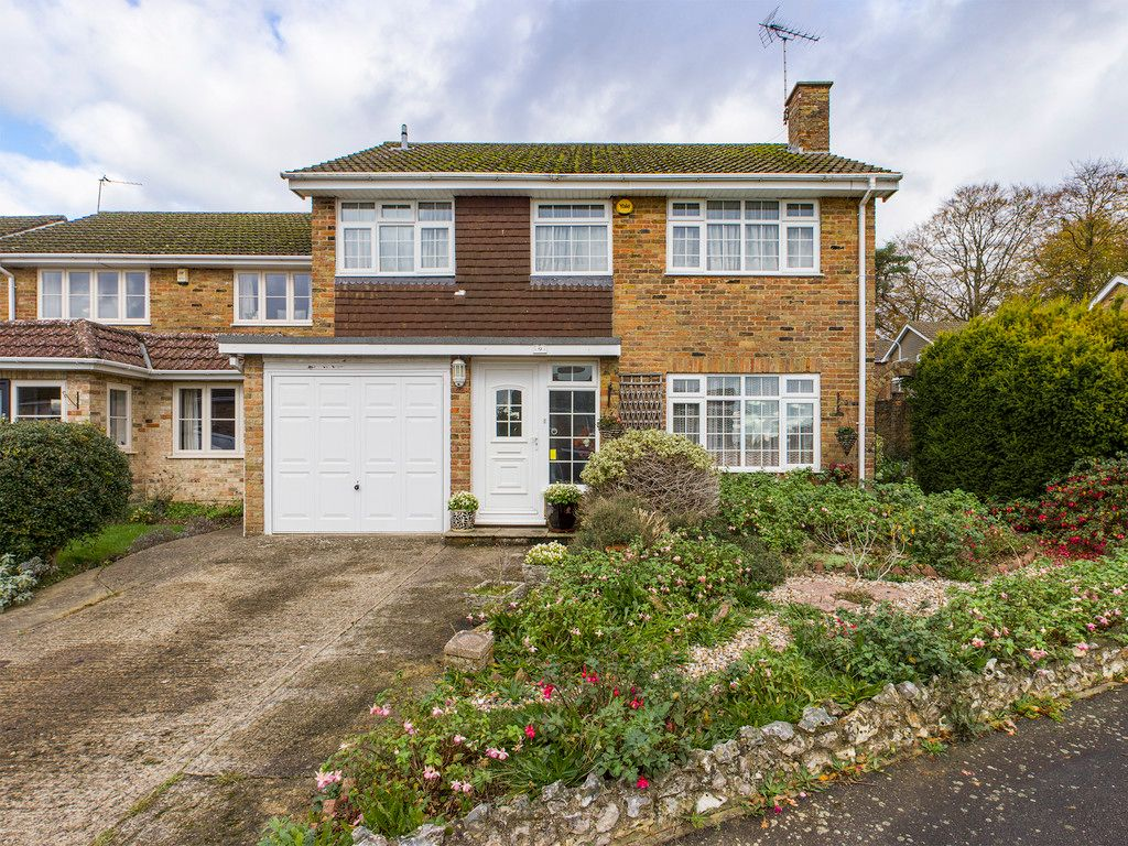 4 bed house for sale in Pheasants Drive, Hazlemere, High Wycombe, HP15