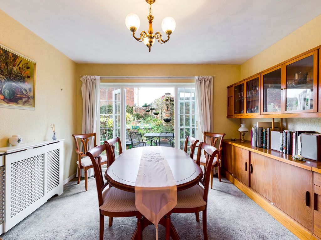 4 bed house for sale in Pheasants Drive, Hazlemere, High Wycombe  - Property Image 8