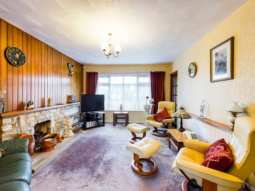 4 bed house for sale in Pheasants Drive, Hazlemere, High Wycombe  - Property Image 9