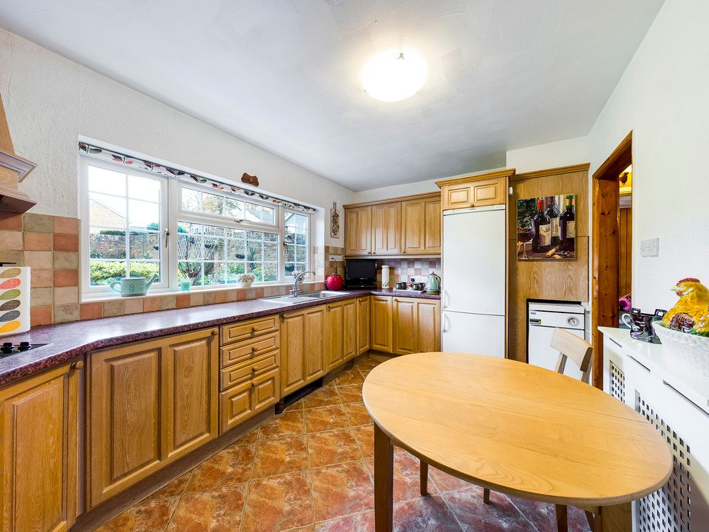 4 bed house for sale in Pheasants Drive, Hazlemere, High Wycombe  - Property Image 10