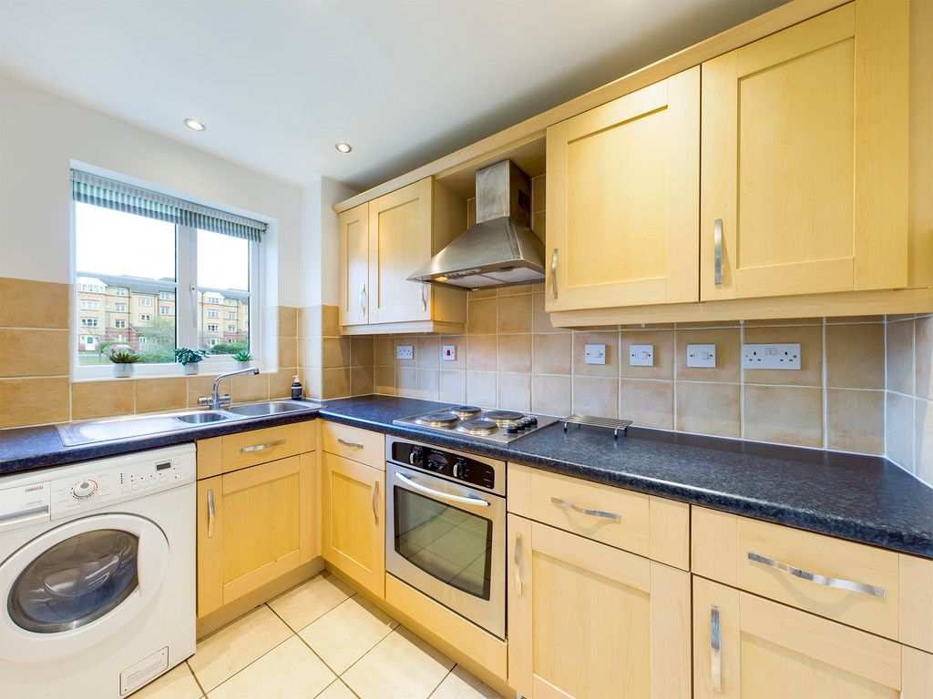 2 bed flat for sale in Princes Gate, High Wycombe  - Property Image 2