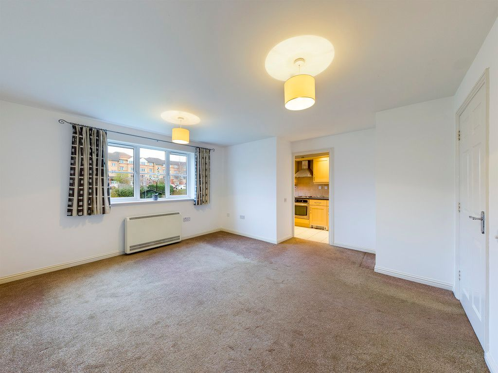 2 bed flat for sale in Princes Gate, High Wycombe  - Property Image 3