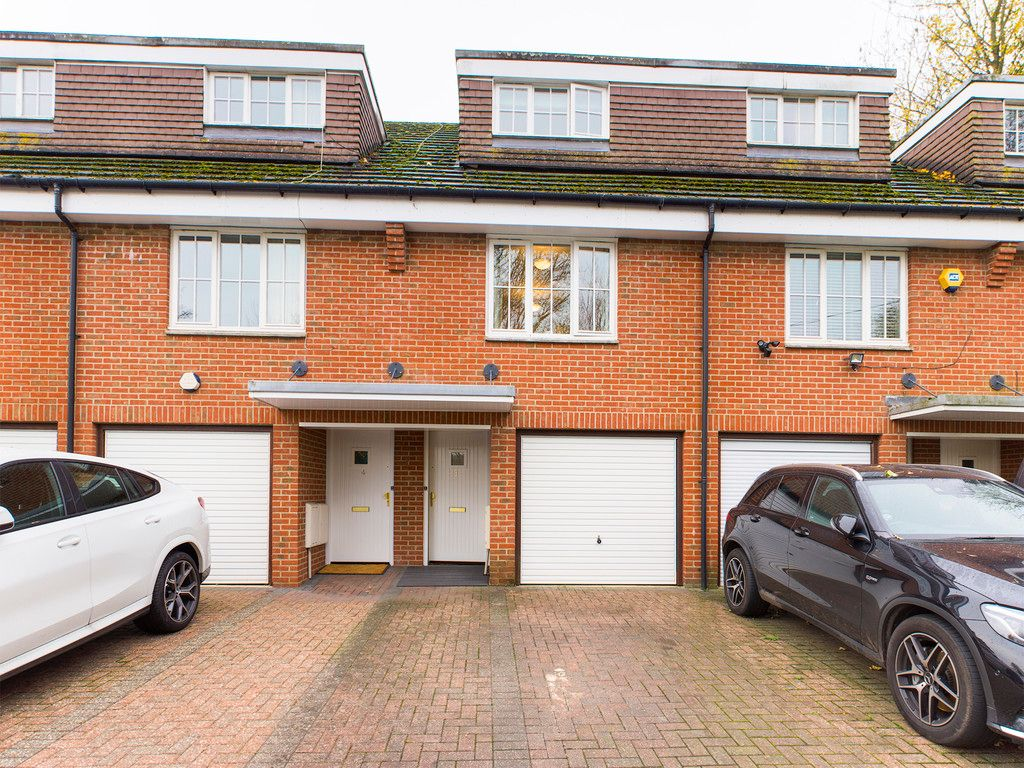 3 bed house for sale in The Fennels, Kingsmead Road, HP11