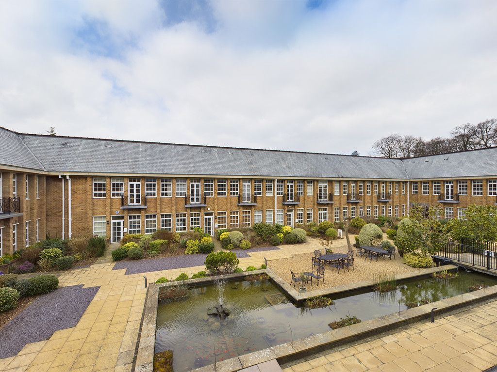 3 bed flat for sale in The Water Gardens, Hazlemere  - Property Image 1