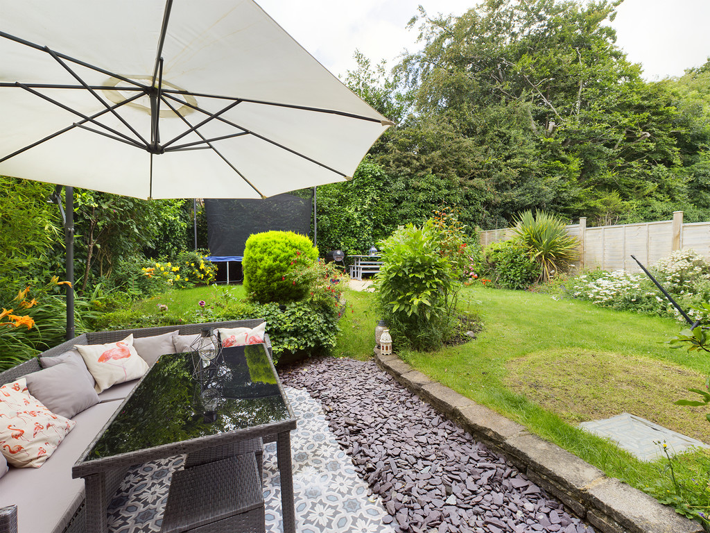 4 bed house for sale in St. Johns Avenue, Penn, High Wycombe 2