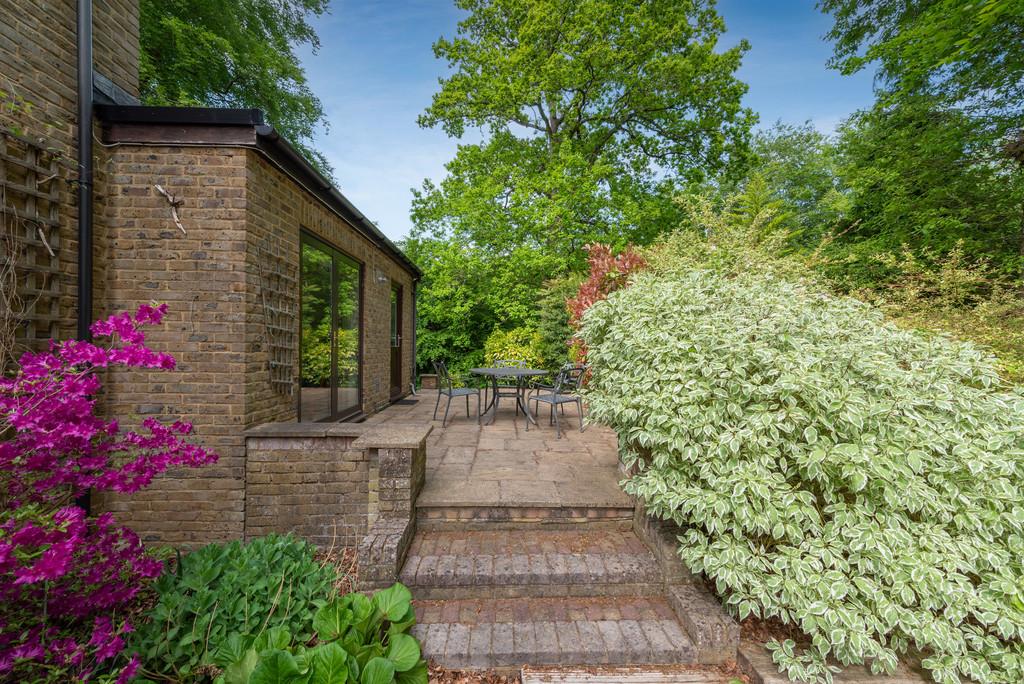 5 bed house for sale in Spruce Dene, Hazlemere  - Property Image 14