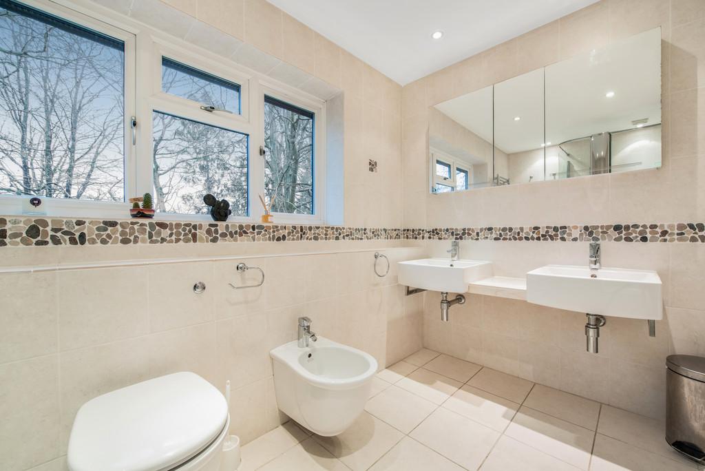 5 bed house for sale in Spruce Dene, Hazlemere  - Property Image 15