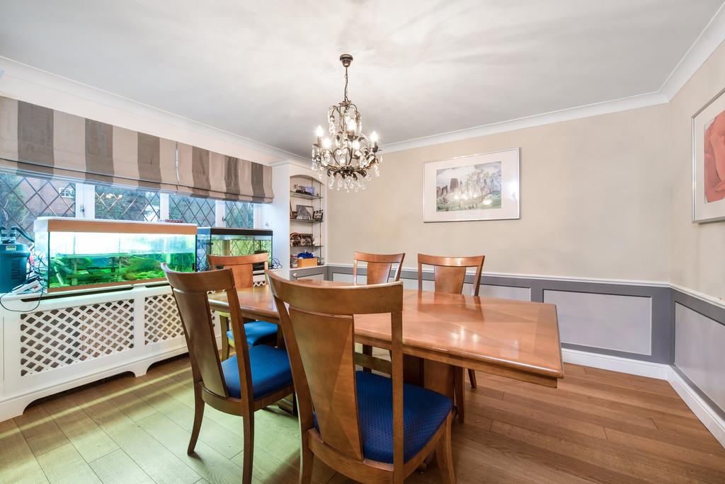5 bed house for sale in Spruce Dene, Hazlemere  - Property Image 6