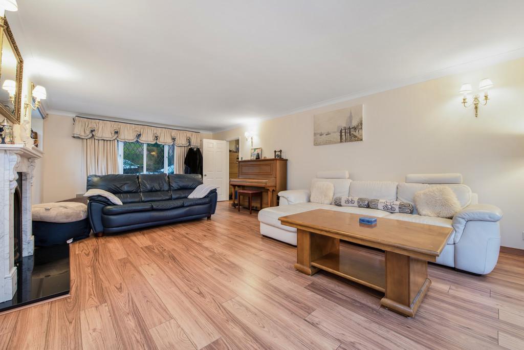 5 bed house for sale in Spruce Dene, Hazlemere  - Property Image 7