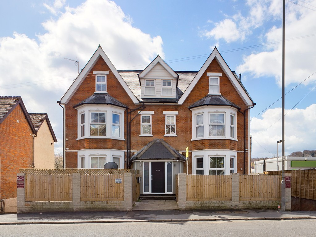 1 bed flat for sale in Ambassador Court, High Wycombe, HP12