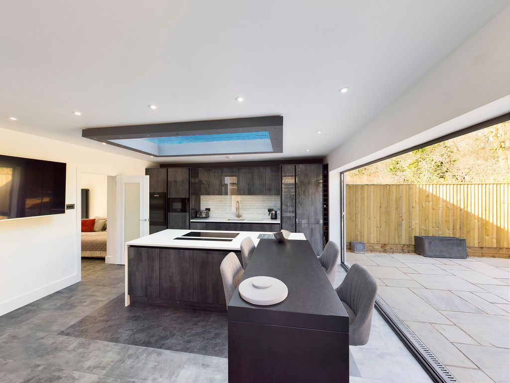 4 bed house for sale in Fennels Way, Flackwell Heath  - Property Image 14