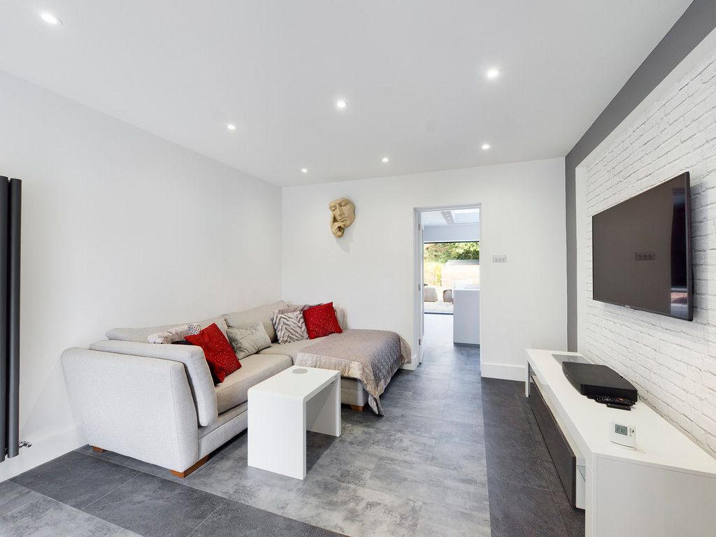 4 bed house for sale in Fennels Way, Flackwell Heath  - Property Image 7
