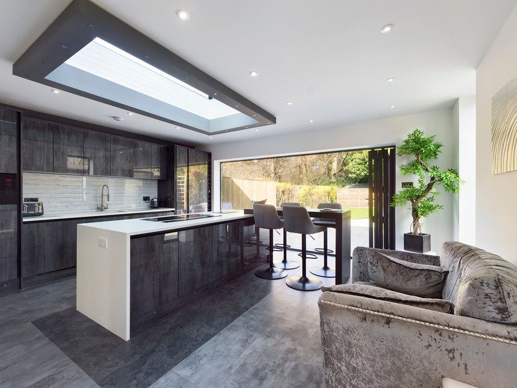 4 bed house for sale in Fennels Way, Flackwell Heath  - Property Image 9