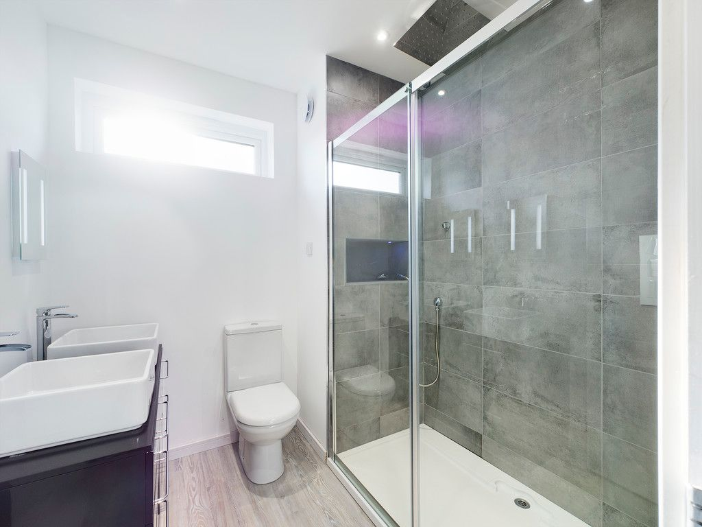 4 bed house for sale in Fennels Way, Flackwell Heath  - Property Image 10