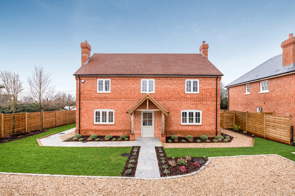 5 bed house for sale in Studridge Lane, Speen  - Property Image 1