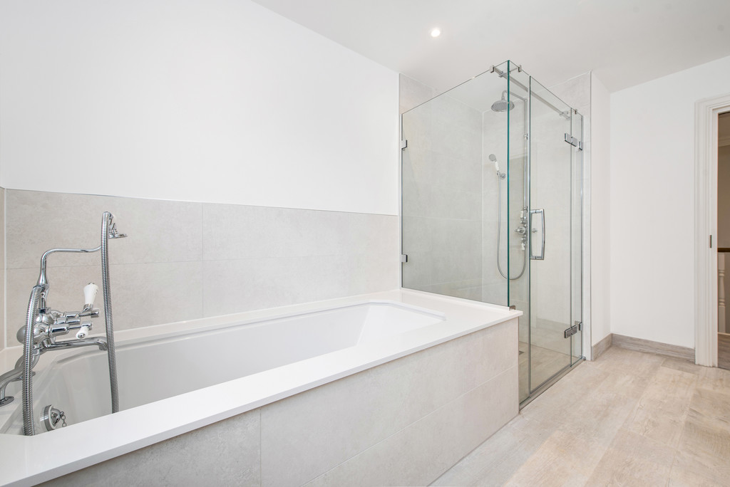 5 bed house for sale in Studridge Lane, Speen 12