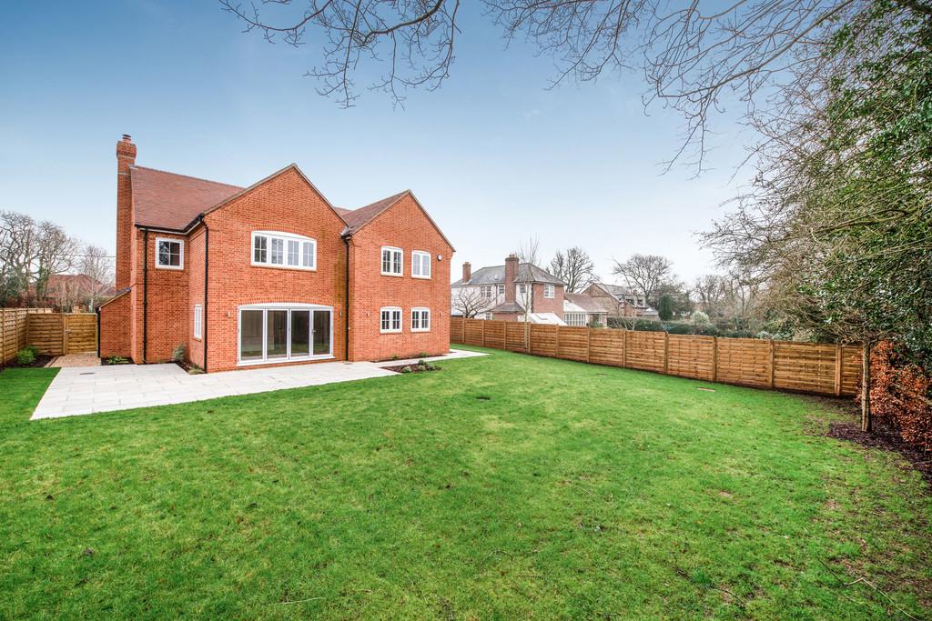 5 bed house for sale in Studridge Lane, Speen 16