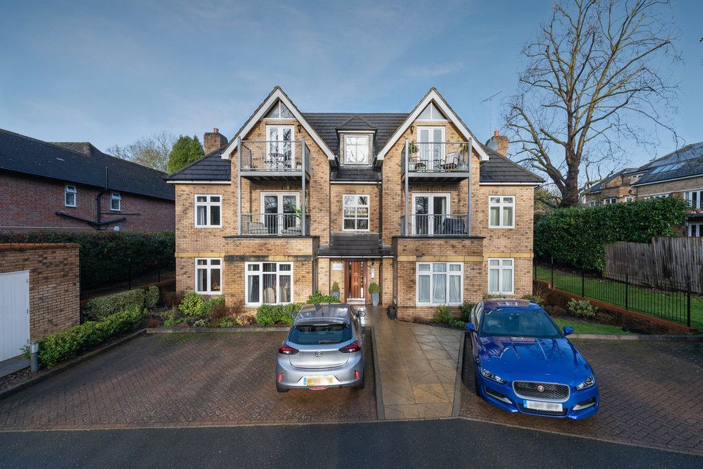 1 bed flat for sale in Diamond Court, Hazlemere, HP15