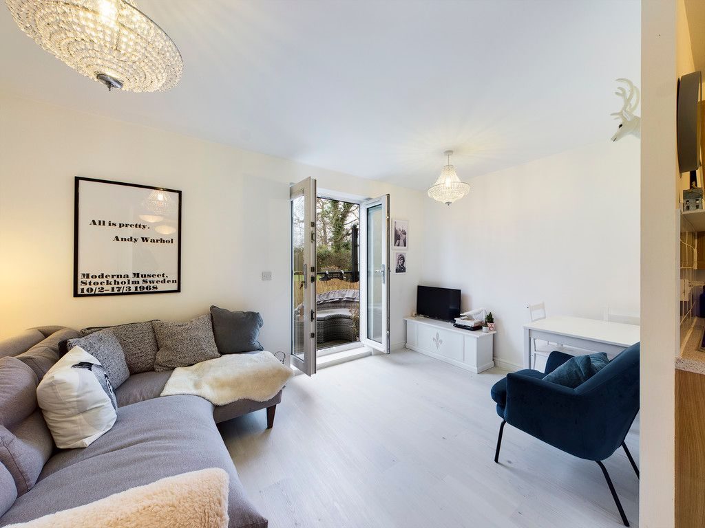 1 bed flat for sale in Diamond Court, Hazlemere  - Property Image 11