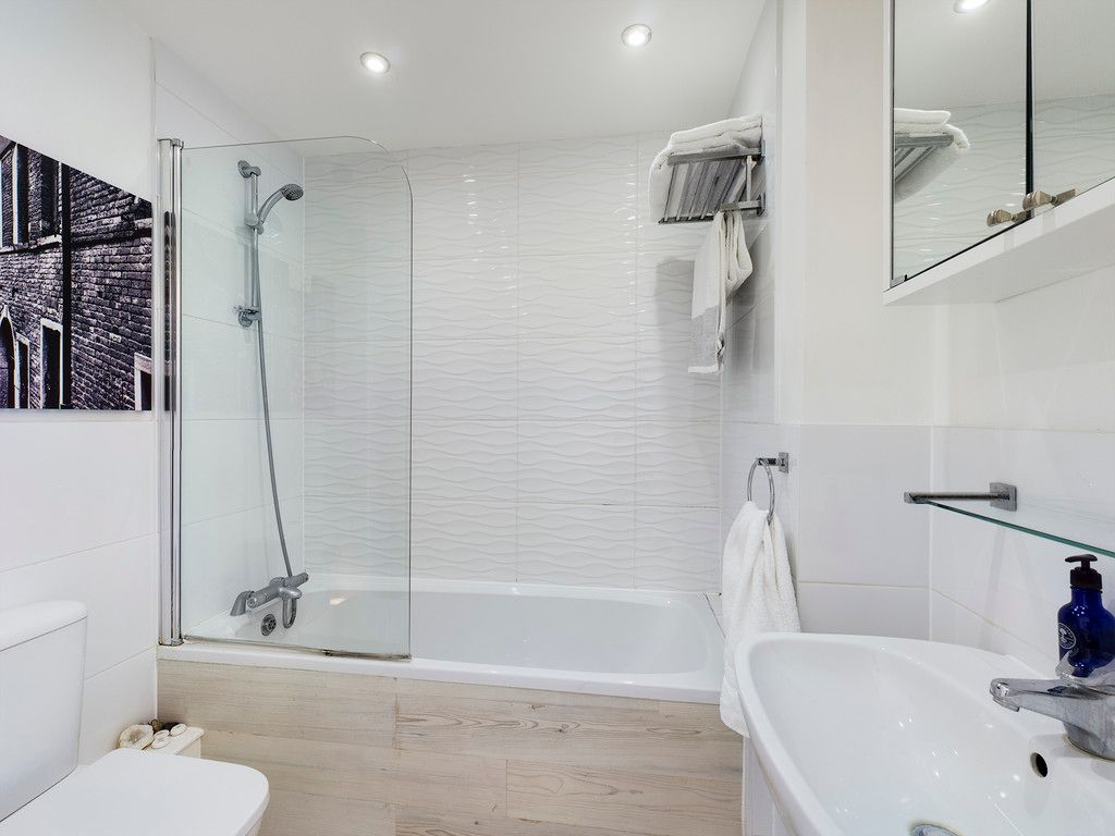 1 bed flat for sale in Diamond Court, Hazlemere  - Property Image 8