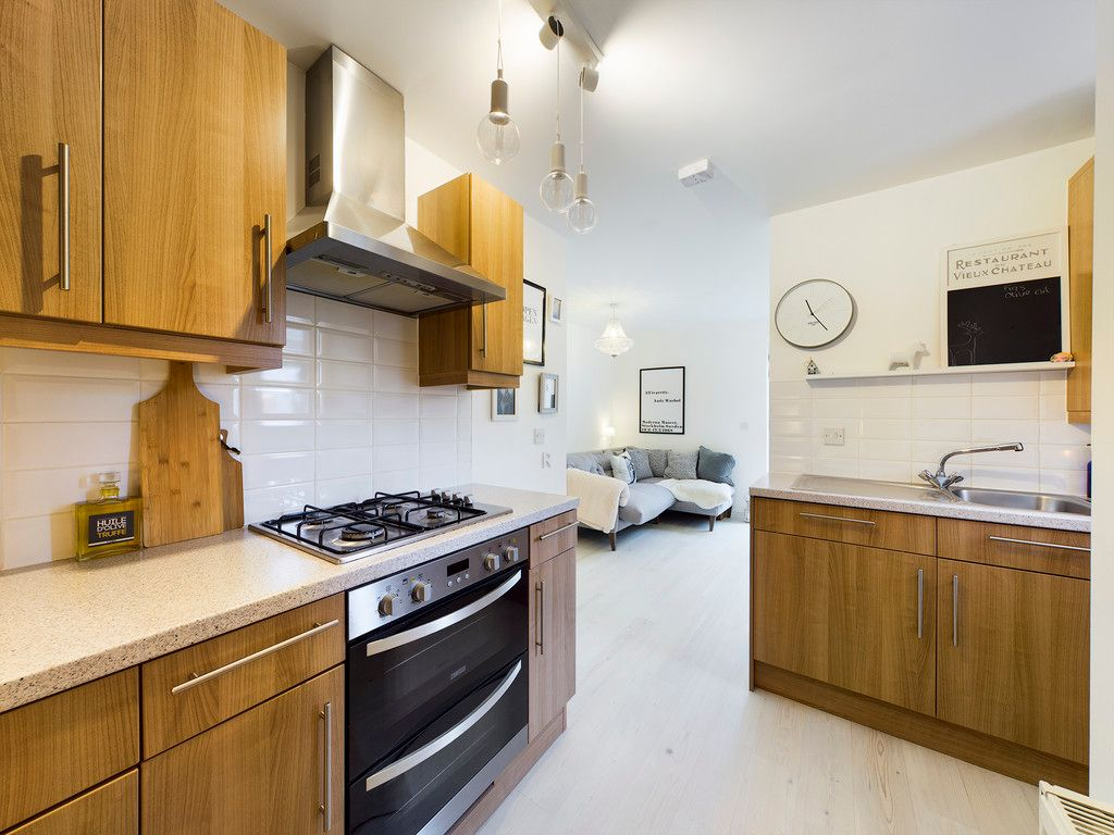 1 bed flat for sale in Diamond Court, Hazlemere 9