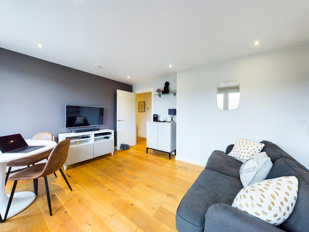 1 bed flat for sale in Westfields House, London Road 9