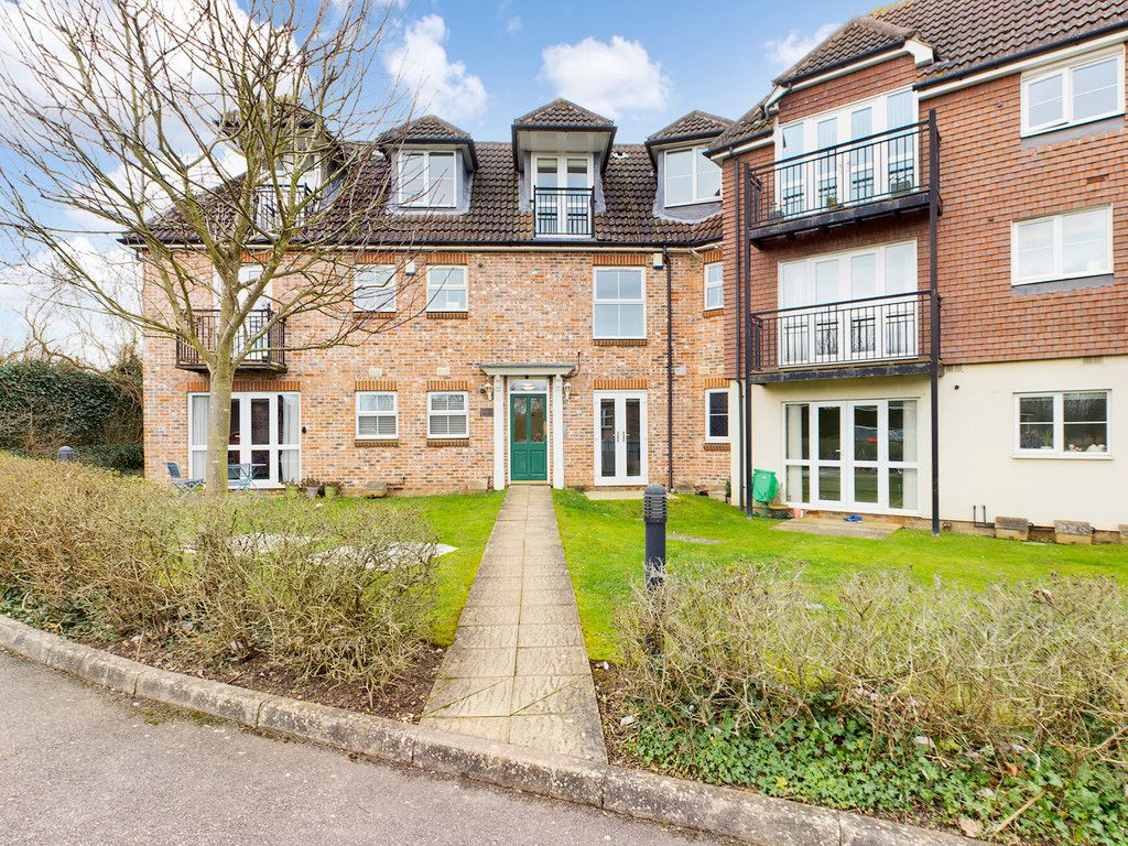 2 bed flat for sale in Juniper Court, Flackwell Heath, HP10