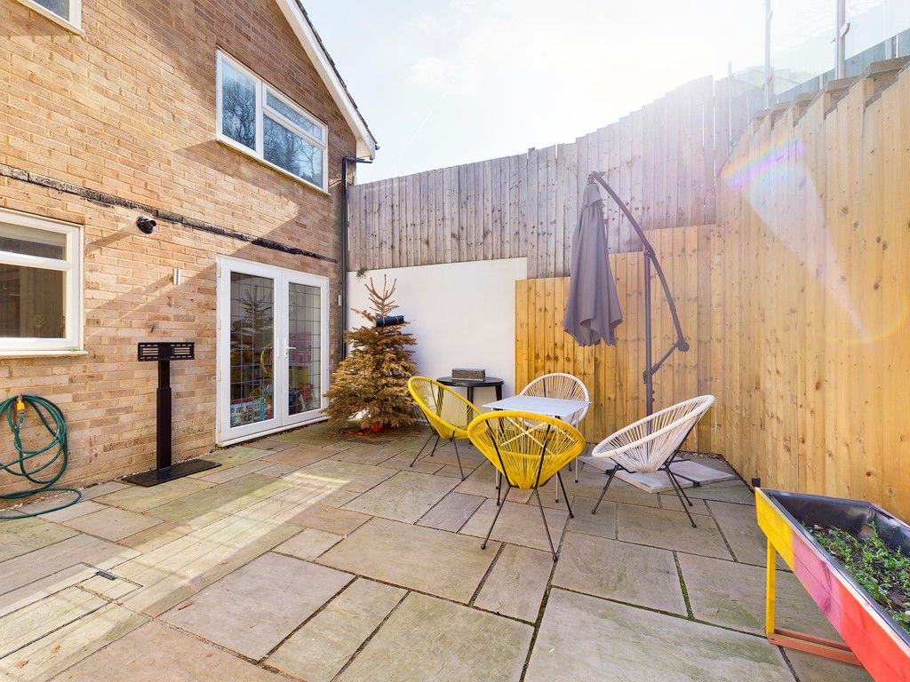 4 bed house for sale in Bay Tree Close, Loudwater 3