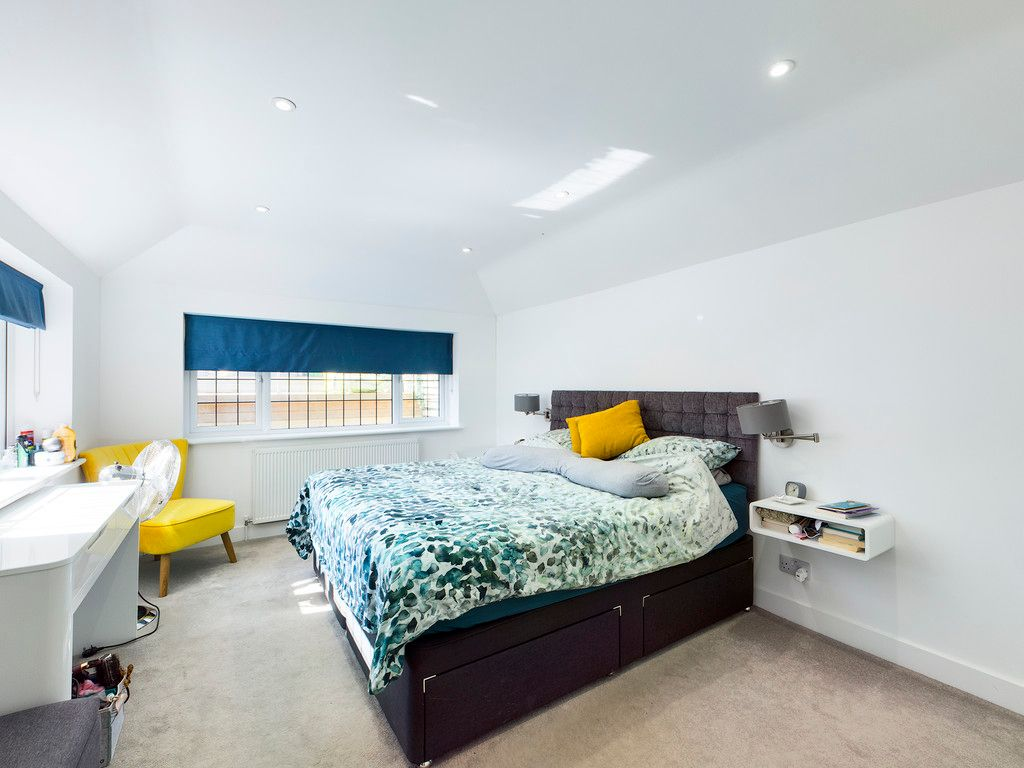 4 bed house for sale in Bay Tree Close, Loudwater 4