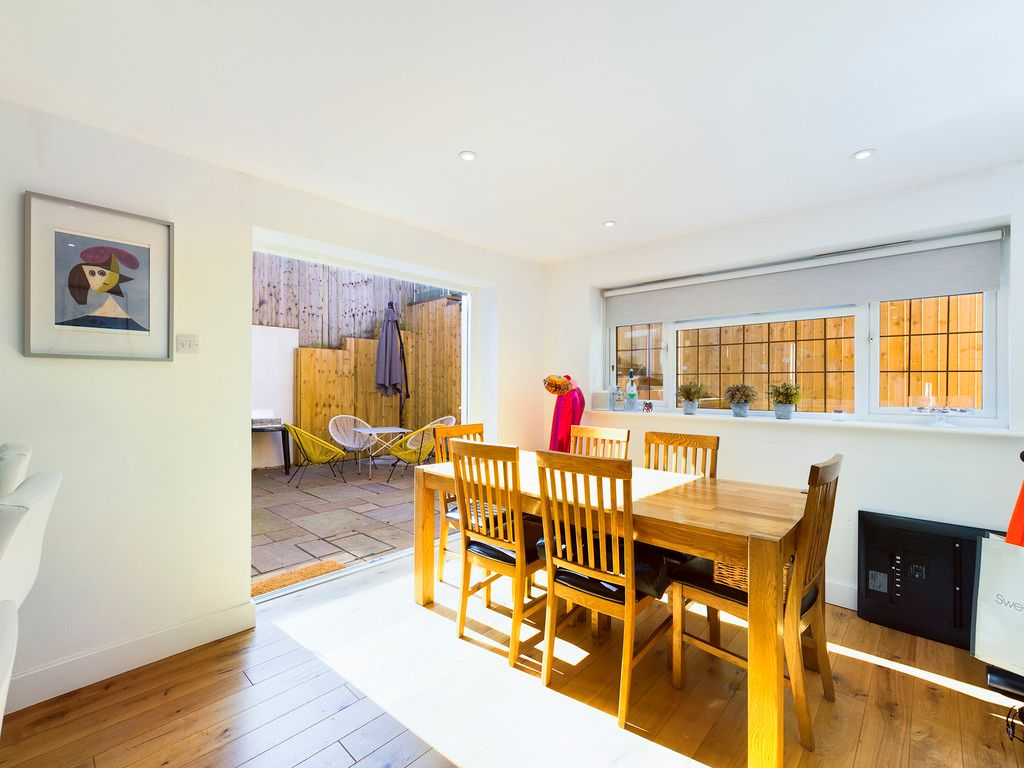 4 bed house for sale in Bay Tree Close, Loudwater 10