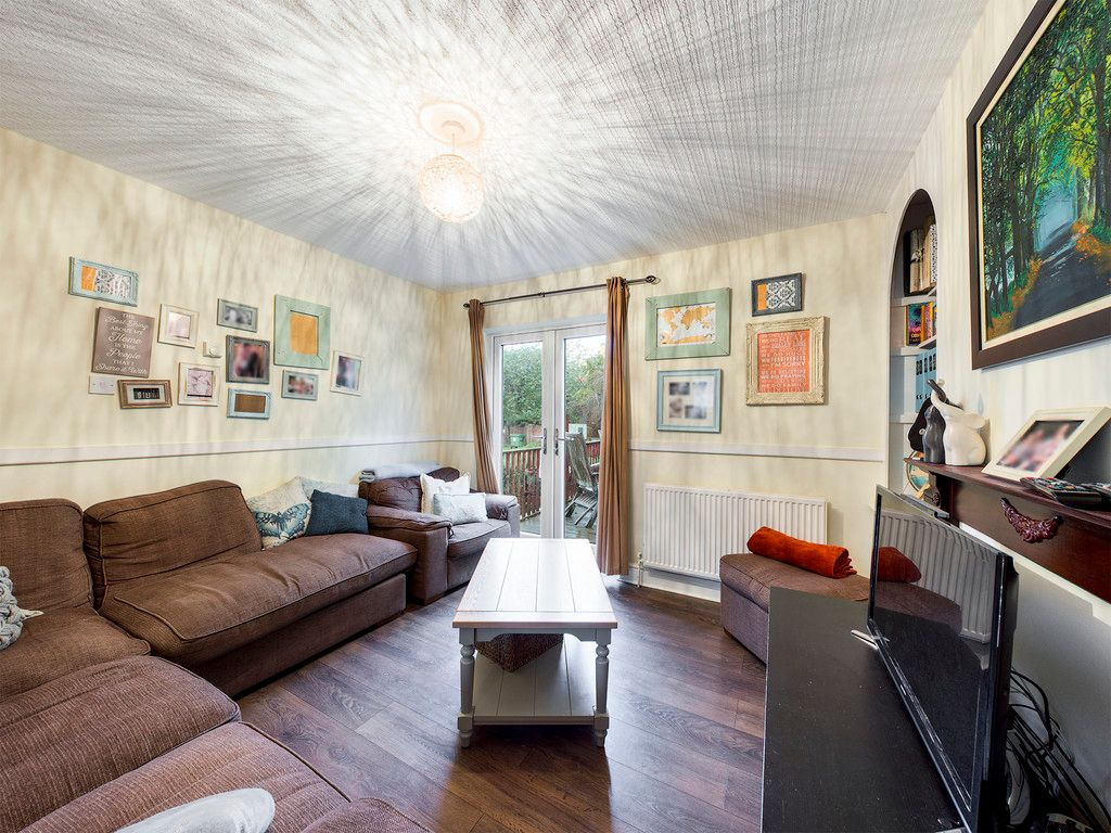 3 bed house for sale in London Road, High Wycombe  - Property Image 3