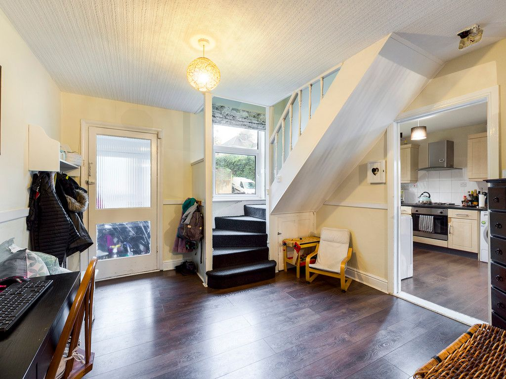 3 bed house for sale in London Road, High Wycombe  - Property Image 4