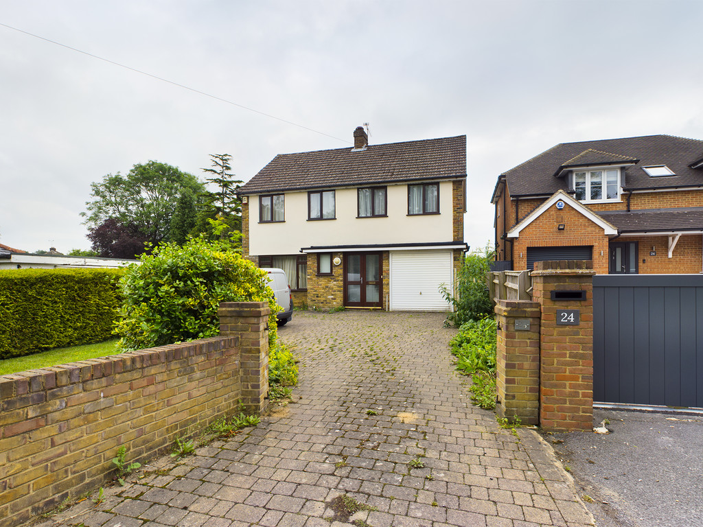 4 bed house for sale in Holmer Green Road, Hazlemere, HP15