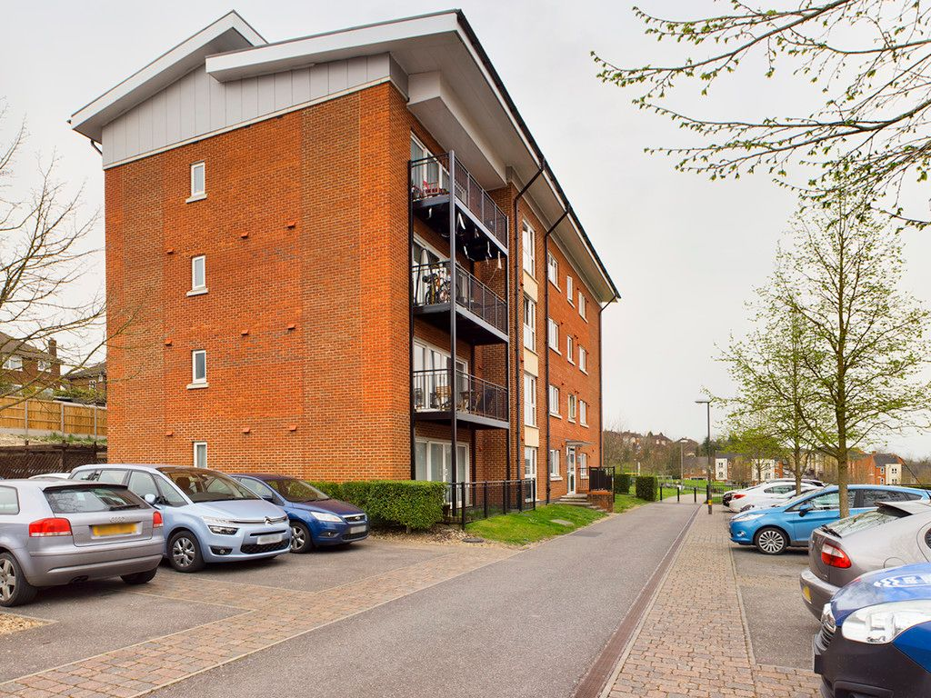 2 bed flat for sale in Andrews House, Tadros Court, HP13