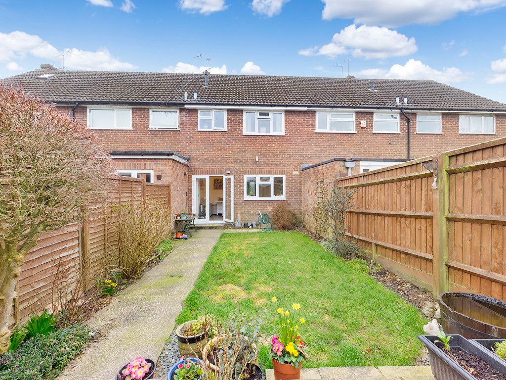 3 bed house for sale in Brackley Road, Hazlemere, High Wycombe  - Property Image 2