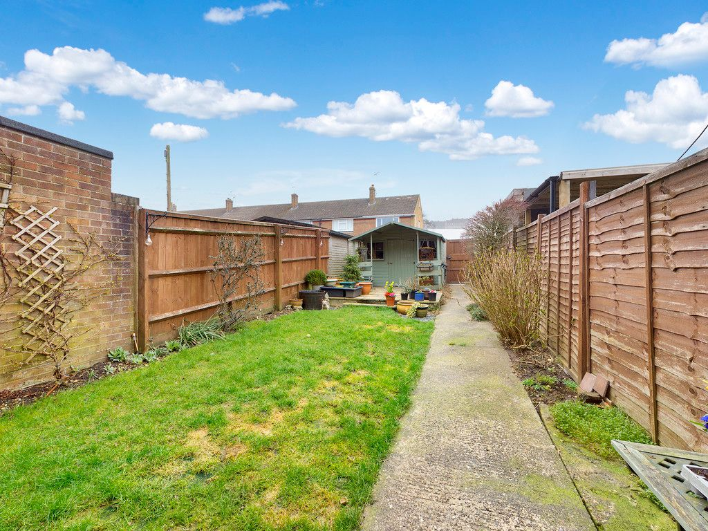 3 bed house for sale in Brackley Road, Hazlemere, High Wycombe  - Property Image 3