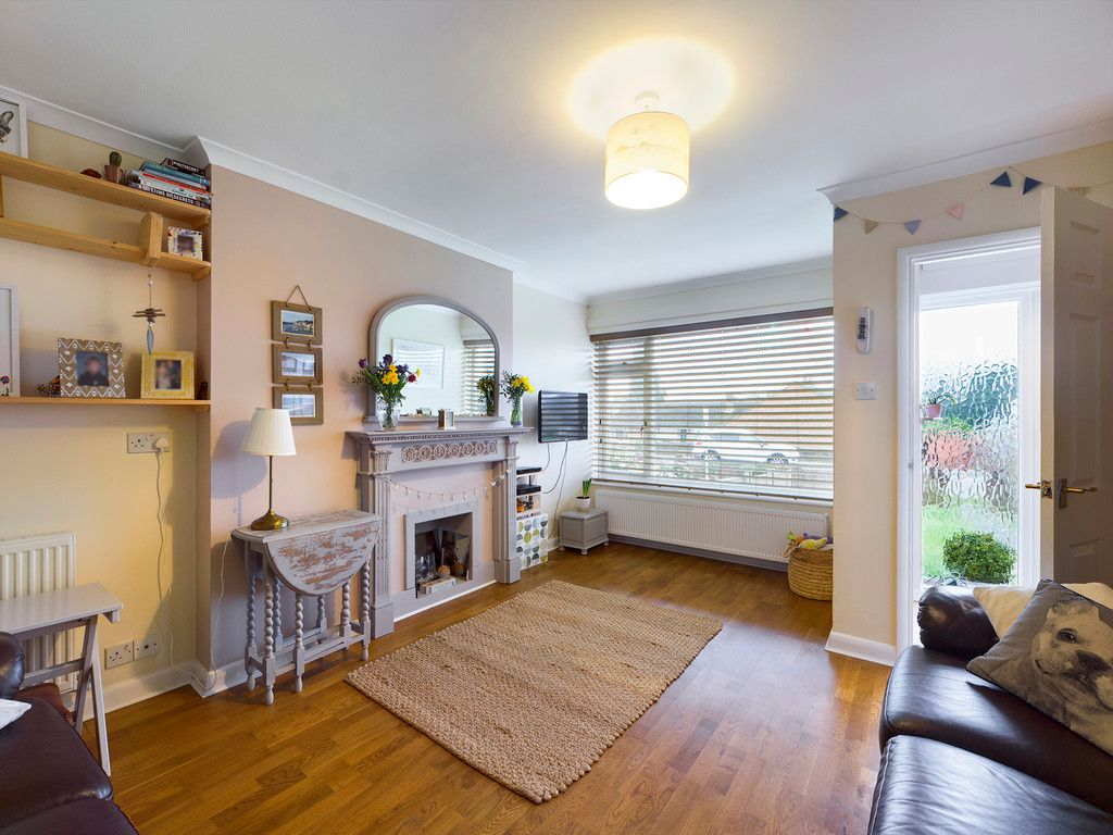 3 bed house for sale in Brackley Road, Hazlemere, High Wycombe  - Property Image 4