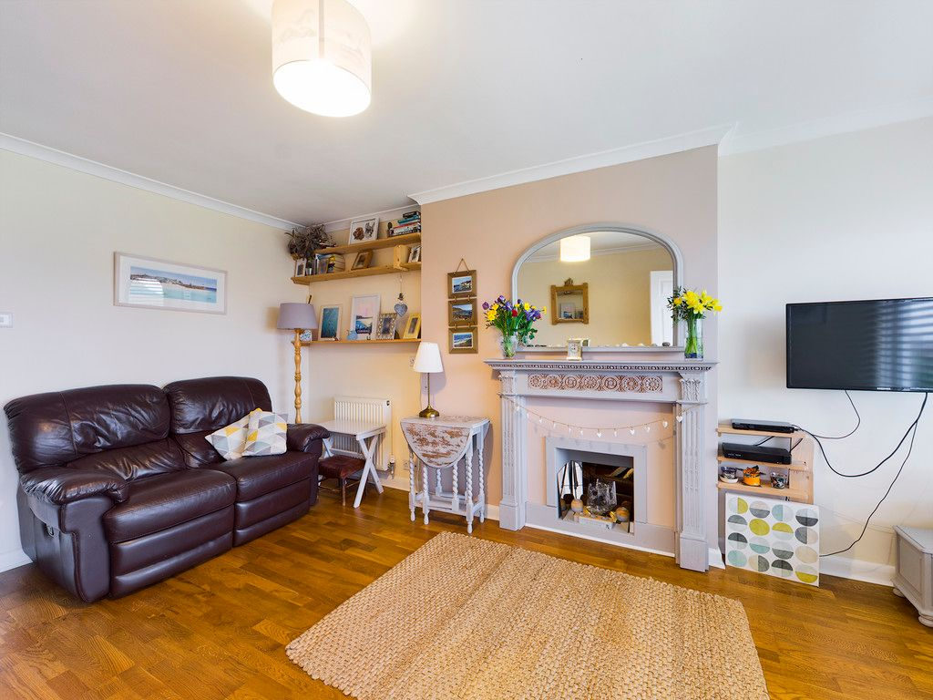 3 bed house for sale in Brackley Road, Hazlemere, High Wycombe  - Property Image 9