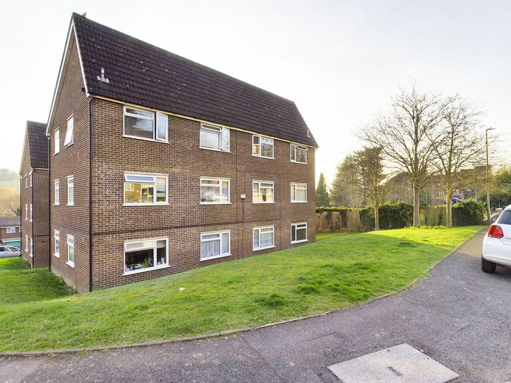 2 bed flat for sale in Broddick House, Brambleside 1