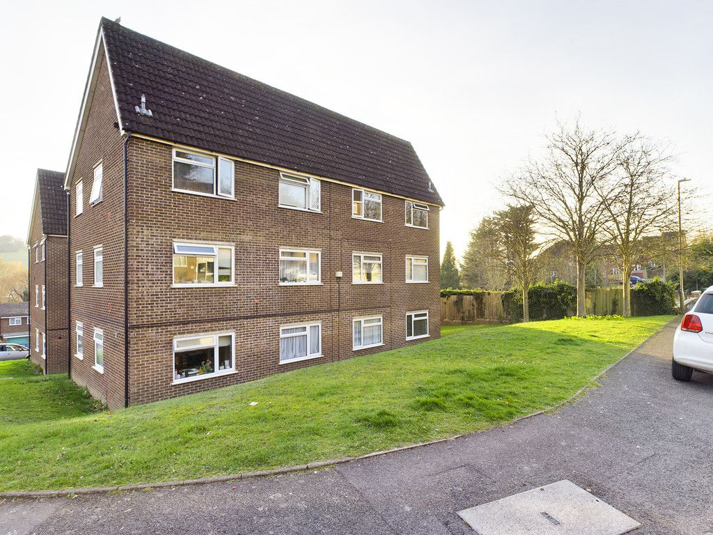 2 bed flat for sale in Broddick House, Brambleside, HP11